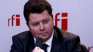 Edouard Courtial, Secrétaire d'Etat chargé des Français de l'étranger