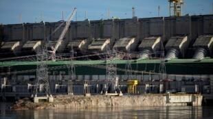 L'installation du méga-barrage brésilien de Belo Monte a notamment impliqué la défroestation de 6—000 kilomètres carrés de forêts.