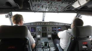 Кокпит Airbus A320