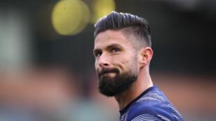 L'attaquant français de Chelsea, Olivier Giroud, à l'échauffement avant un match de Premier League, le 31 octobre 2020 à Burnley