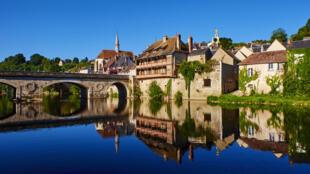Vue d'Argenton-sur-Creuse, dans l'Indre.