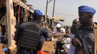 Vikosi vya usalama nchini jamhuri ya Afrika ya Kati wakilinda usalama.