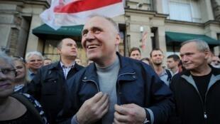 Le leader d'opposition en Biélorussie, Mikola Statkevitch, le 10 septembre 2015, à Minsk. L'opposant a été arrêté hier, lors d'une manifestation.