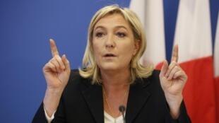 Глава французских крайне правых Марин Ле Пен требует закрыть во Франции «салафистские» мечети.