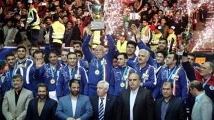 تیم ملی کشتی آزاد ایران با پیروزی در برابر تیم ملی کشتی آزاد آمریکا برای هشتمین بار قهرمان جهان شد.
