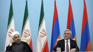 Серж Саргсян (справа) и Хасан Рухани на пресс-конференции в Ереване, 21 декабря 2016.