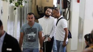 Uno de los tres judíos ortodoxos, sospechoso de haber pintado consignas anti-sionistas en el museo Yad Vashem, fue detenido el 26 de junio de 2012.