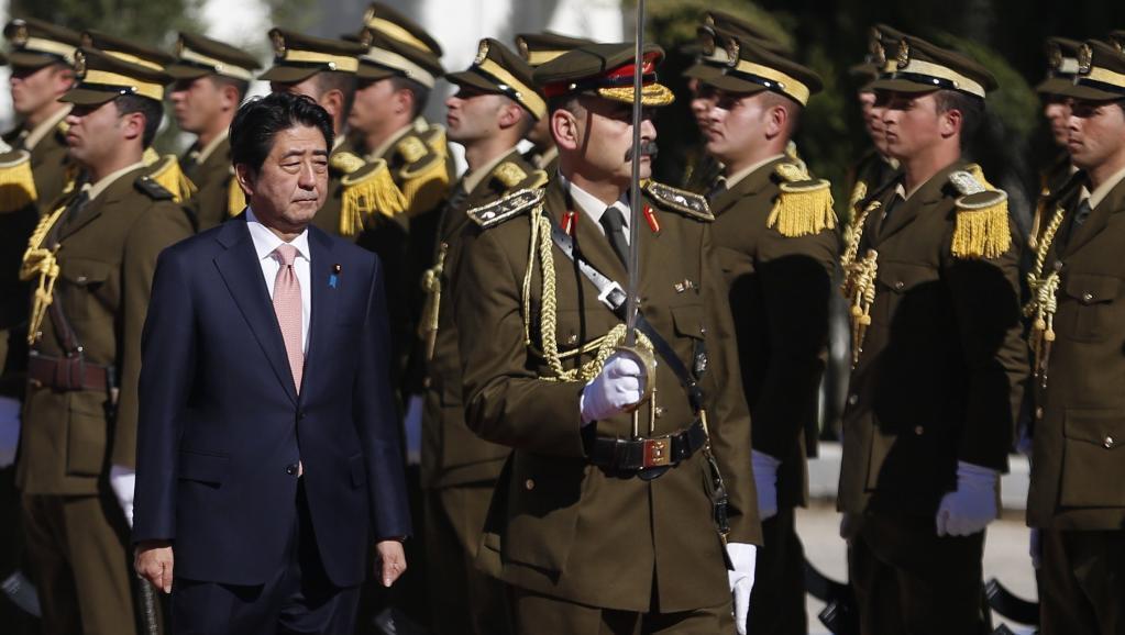 O ultimato do grupo Estado Islâmico acontece durante a visita do premiê japonês Shinzo Abe ao Oriente Médio.