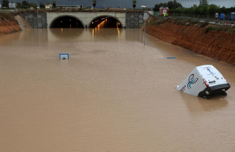 13/09/19- Enchentes na Espanha deixam milhares de desabrigados
