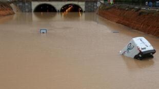 Imagens das inundações provocadas pelas chuvas em Pilar de la Horadada, na Espanha