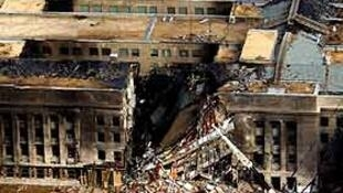 Vista do bloco oeste do Pentágono, depois de ser atingido pelo Boeing às 9h39.
