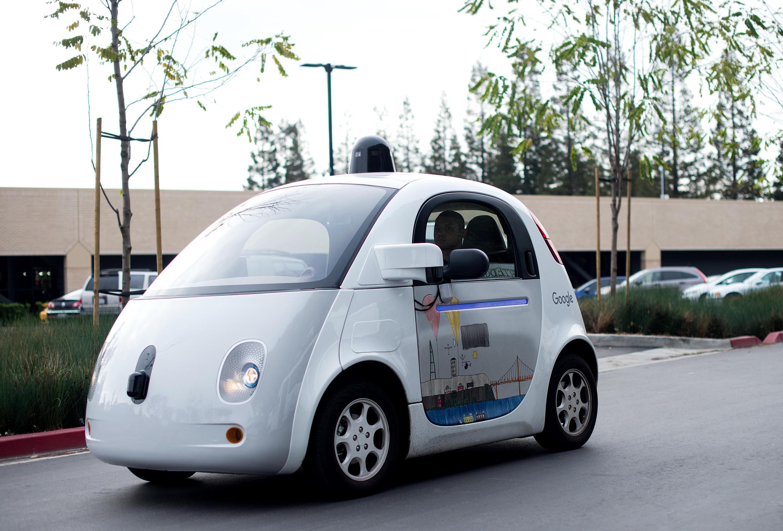 """Carro que dirige sozinho criado pelo Google, no sistema """"self-driving car"""""""