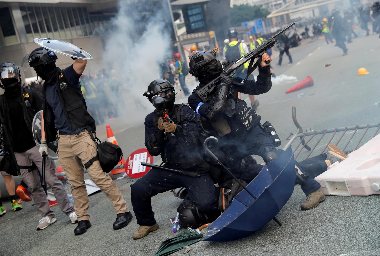 Mamlaka  Hong Kong imekanusha taarifa zinazoishtumu polisi kwa ukandamizaji wa kikatili dhidi ya waandamanaji.