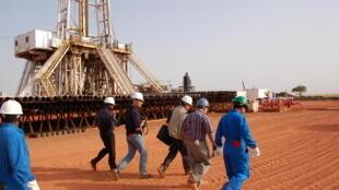 南苏丹一炼油厂