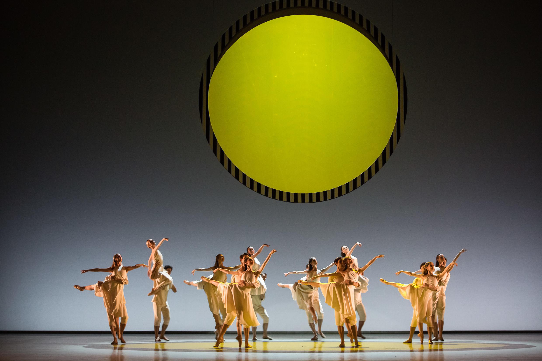 Balé da Opera de Paris apresenta criação de Benjamin Millepied.