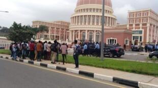 Angola: Petição para exonerar Eltrudes Costa