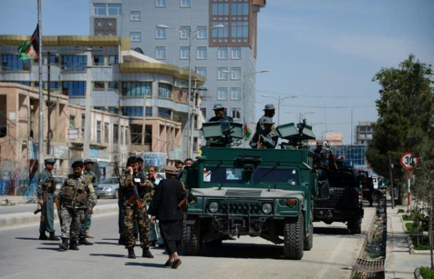 نیروهای نظامی افغان هنگام حملۀ دیگری که پیش از این در مزار شریف روی داد