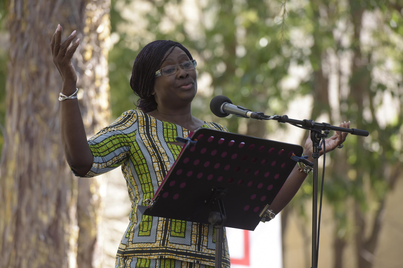 La comédienne Awa Sene Sarr dans « Le ventre de l'Atlantique », de Fatou Diome, dans le cadre de « Ça va, ça va le monde ! » 2017 de RFI.