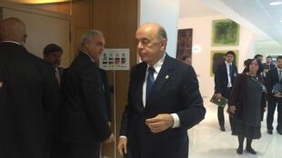 O chanceler interino José Serra durante encontro desta quarta-feira (1°) na sede da OCDE em Paris.