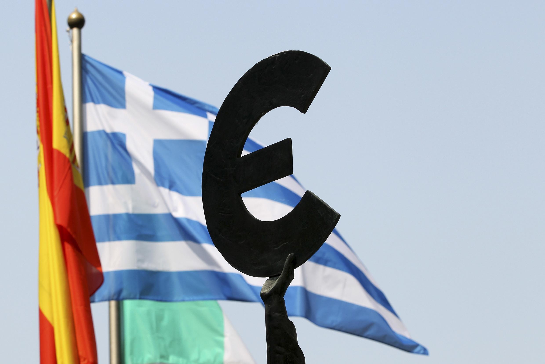 Ministros do Eurogrupo discutem salvamento da Grécia, Espanha e Chipre, nesta quinta-feira (21), em Luxemburgo.