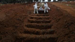 Le Brésil recense 580 000 personnes contaminées et plus de 32 000 morts des suites du Covid-19. Ici à Sao Paulo, le 4 juin 2020.