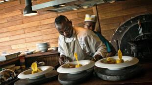 Dans la cuisine d'un restaurant à Kinshasa (illustration).