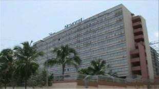 Le 4 avril 2011, 4 hommes étaient enlevés à l'hôtel Novotel à Abidjan.