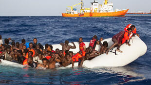 Bakin-haure masu son tsallaka kogin Mediterranian daga Libya zuwa Turai.