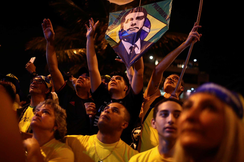 Jair Bolsonaro, capitão da reserva do Exército, candidato pelo PSL, teve 57,7 milhões de votos (55,18%) contra 46,8 milhões de seu adversário