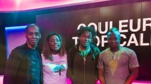 Le groupe guinéen Banlieuzart et Esther Ase.