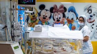IMAGE BEBE MALI MAROC Les nourrissons maliens dans la clinique de Casablanca, au Maroc, où ils sont nés le 5 mai 2021.