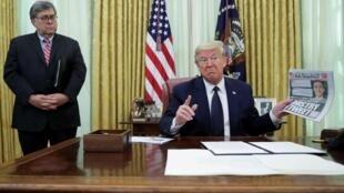 Donald Trump amesaini sheria inayolenga kudhibiti mitandao ya kijamii Alhamisi hii, Mei 28, katika Ikulu ya White House.