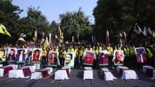 Người Tây Tạng lưu vong tưởng niệm người chết để phản đối chính sách của Trung Quốc . Ảnh ngày 29/01/2012 , tại New Delhi