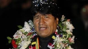 Предидент Боливии Эво Моралес по прибытии в аэропорт Эль Альто в городе Ла-Пас 3 июля 2013 г.