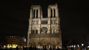 La cathédrale Notre-Dame de Paris accueille environ 13 millions de fidèles et touristes chaque année.