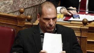 Waziri wa Fedha wa Ugiriki, Yanis Varoufakis,  alionya kuwa Ugiriki iko katika hali ya hatari kiuchumi.