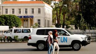 کارشناسان سازمان منع تسلیحات شیمیایی، در انتظار فراهم آمدن امکان سفر به دوما برای انجام مأموریت. دمشق ٢٨ فروردین/ ١٧آوریل ٢٠۱٨