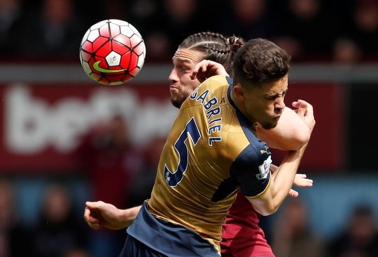 Carroll is best header in world, says Bilic