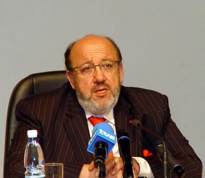 Louis Michel mjumbe maalum wa OIF nchini Afrika ya kati