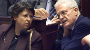 La loi des 35 heures a été instaurée sous le gouvernement socialiste de Lionel Jospin et portée par Martine Aubry, alors ministre du Travail. Ici,le 26 octobre 1999 à l'Assemblée nationale.