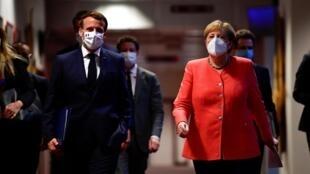 Le président français Emmanuel Macron et la chancelière allemande Angela Merkel, à Bruxelles le 21 juillet 2020.