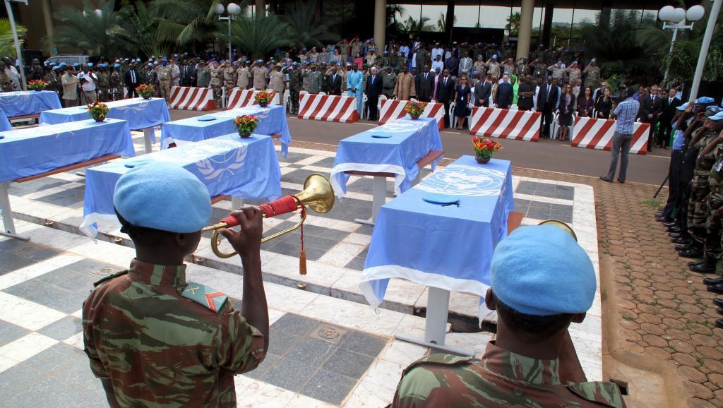 Umoja wa Mataifa watoa heshima za mwisho kwa wanajeshi 9 wa Niger waliouawa kaskazini mwa Mali.