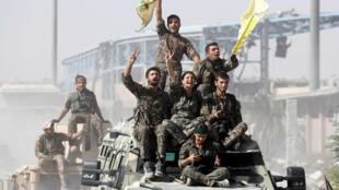 Syria : Chiến binh Kurdistan mừng chiến thắng, chiếm lại Raqqa từ tay Daech. Ảnh 17/10/2017.