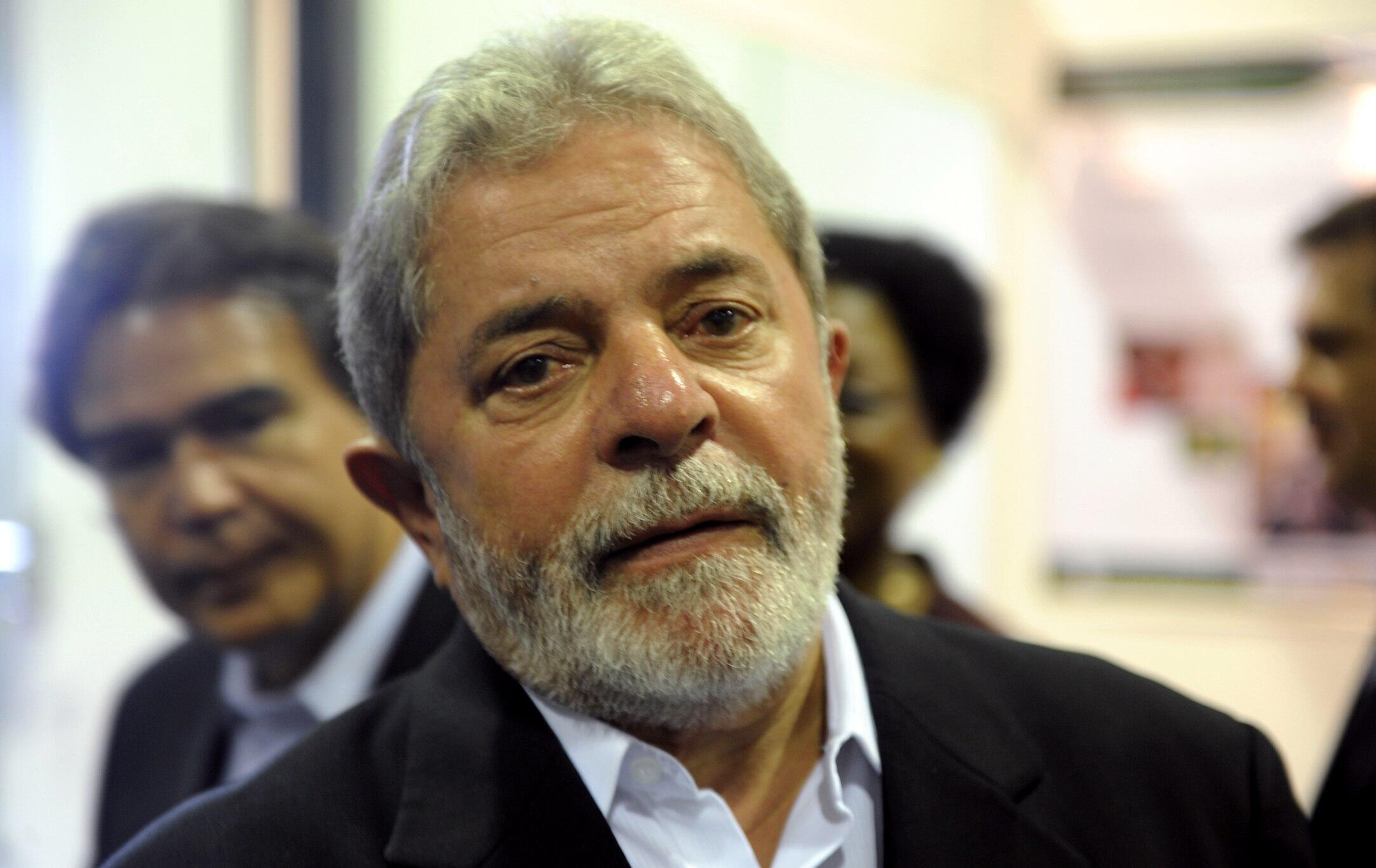 O presidente Lula visitou as instalações da futura fábrica de antirretrovirais construída com apoio brasileiro na cidade moçambicana da Matola, nesta quarta-feira, 10 de novembro.