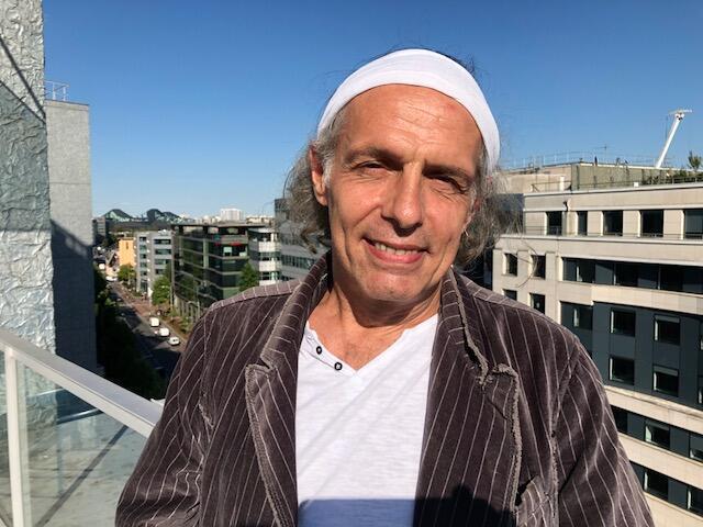 O escritor Jean-Paul Delfino