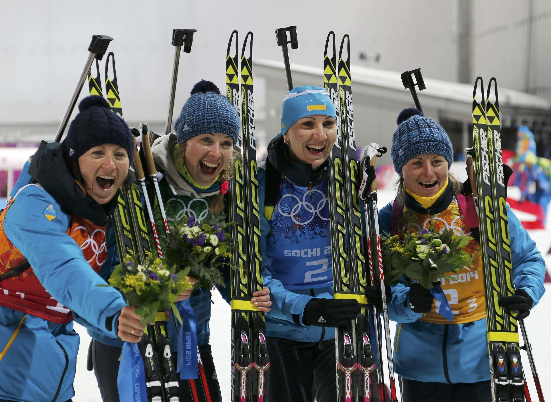 Украинские биатлонистки празднуют победу. Роза Хутор 21/02/2014
