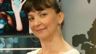 Laura Lago en los estudios de RFI