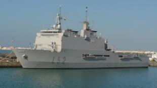 Le Castilla au mouillage dans la base navale de Rota.