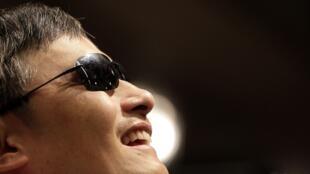 2013年6月27日,陈光诚在台北出席新书发行。