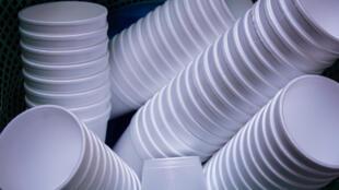 Les gobelets en plastique seront interdits dans la restauration rapide à partir du 1er janvier 2020.